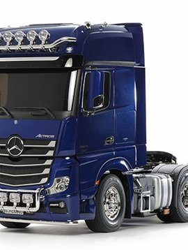 Tamiya TAM56354 1/14 Scale RC Mercedes-Benz Actros - 3363 6x4 GigaSpace Pearl Blue