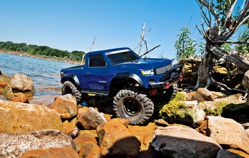 82024 4 1 10 scale 4x4 trail truck blue ready to drive with tq Traxxas Nitro 4-TEC 2 5 traxxas tra82024 4 blue 1 10 scale 4x4 trail truck blue ready to drive with tq 2 4ghz 2 channel radio system xl 5 hv speed control and painted body