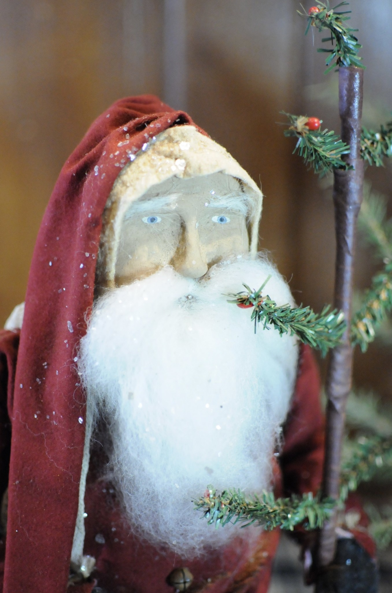 Arnett's Arnett's Santa Red Coat Holding Tree JPC2