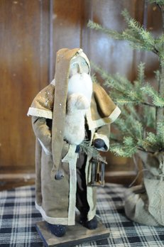 Arnett's Arnett's Santa Brown Cape Coat Holding Sheep & Lantern AC6