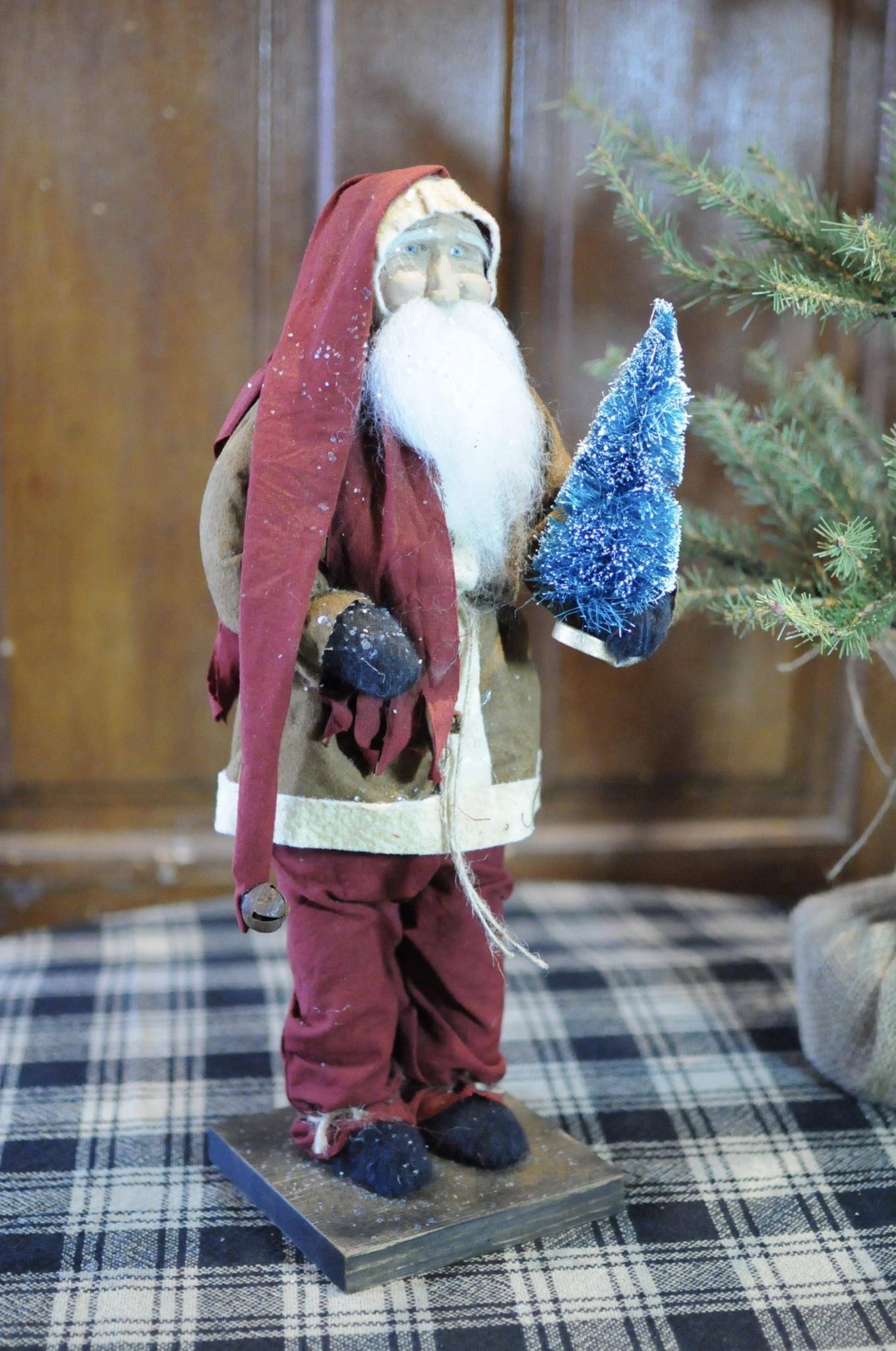 Arnett's Arnett's Santa Brown Coat Holding Bottle Brush Tree JPC10
