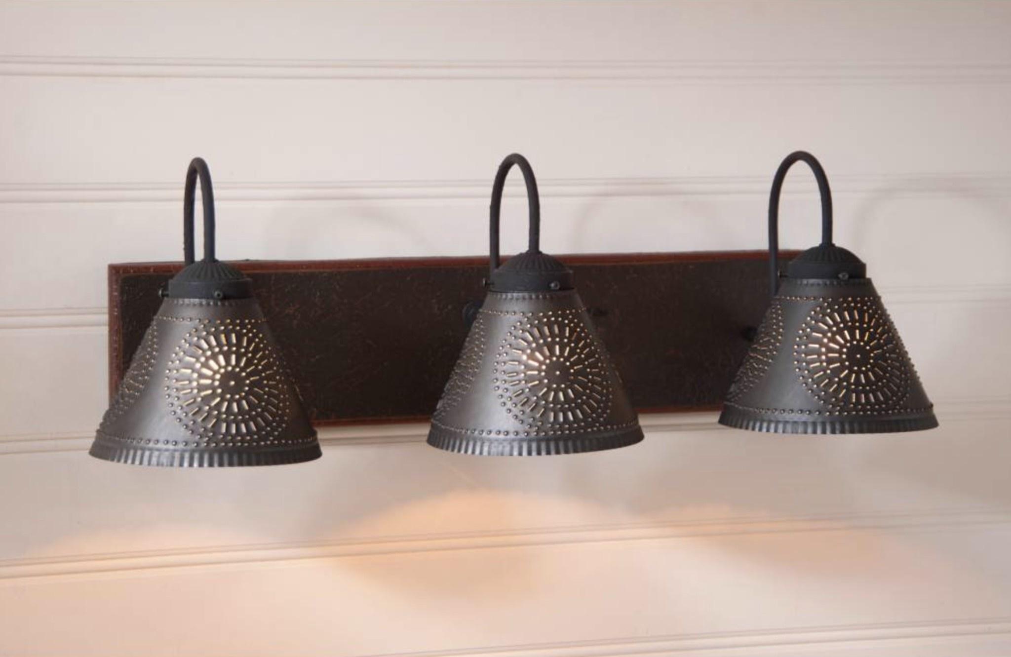 Irvin's Tinware Crestwood Vanity Light