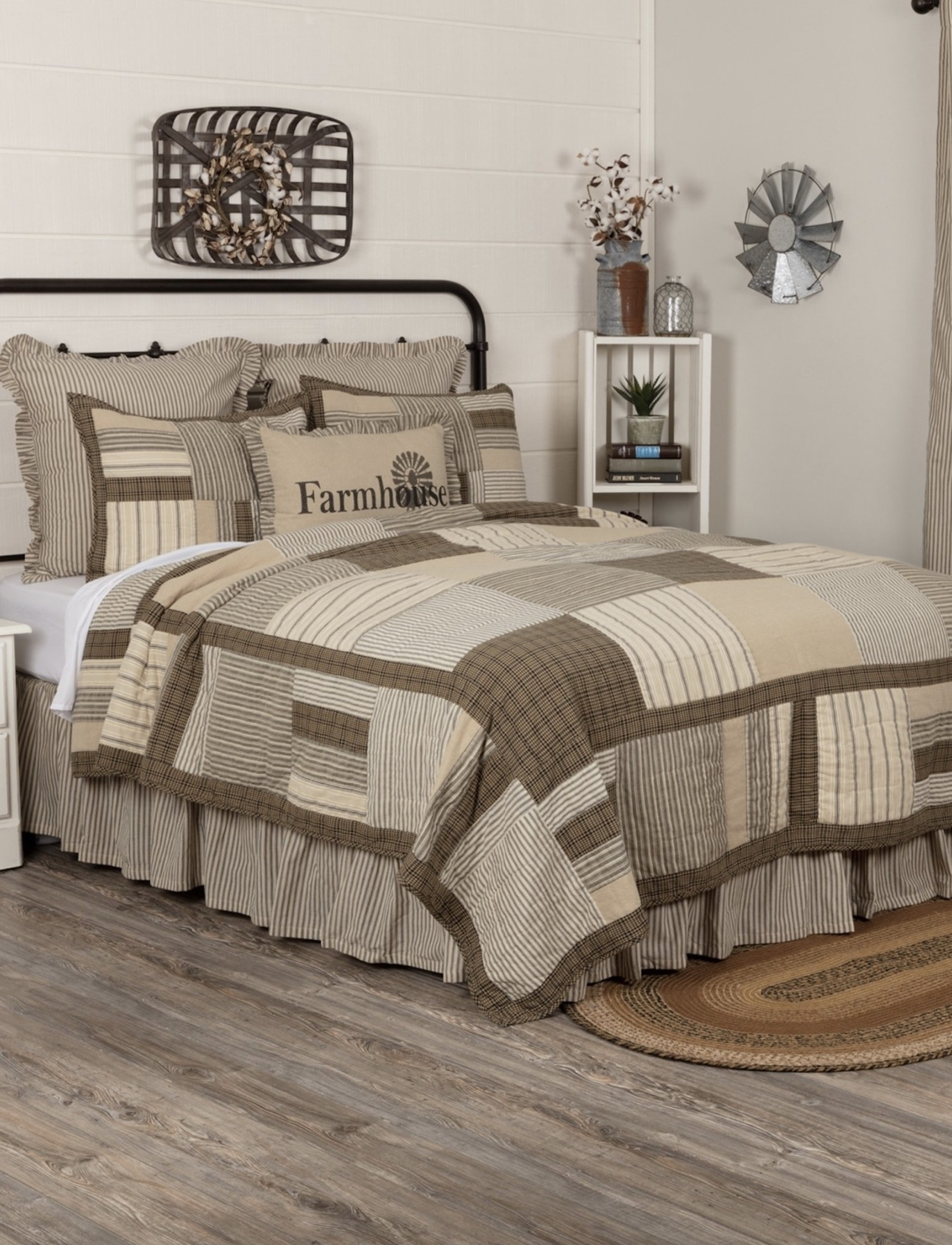Nana's Farmhouse Sawyer Mill Home Queen Quilt Set
