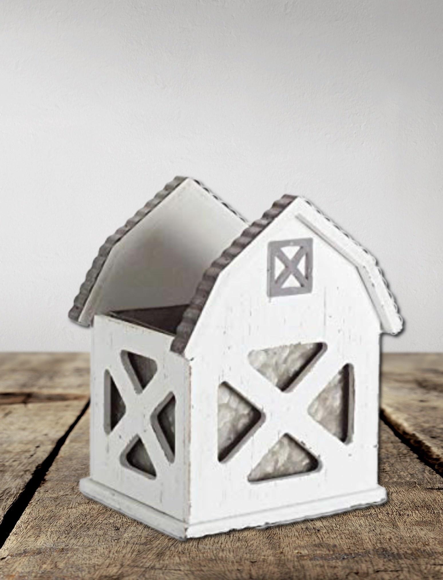 Nana's Farmhouse Farmhouse Small Barn Pot