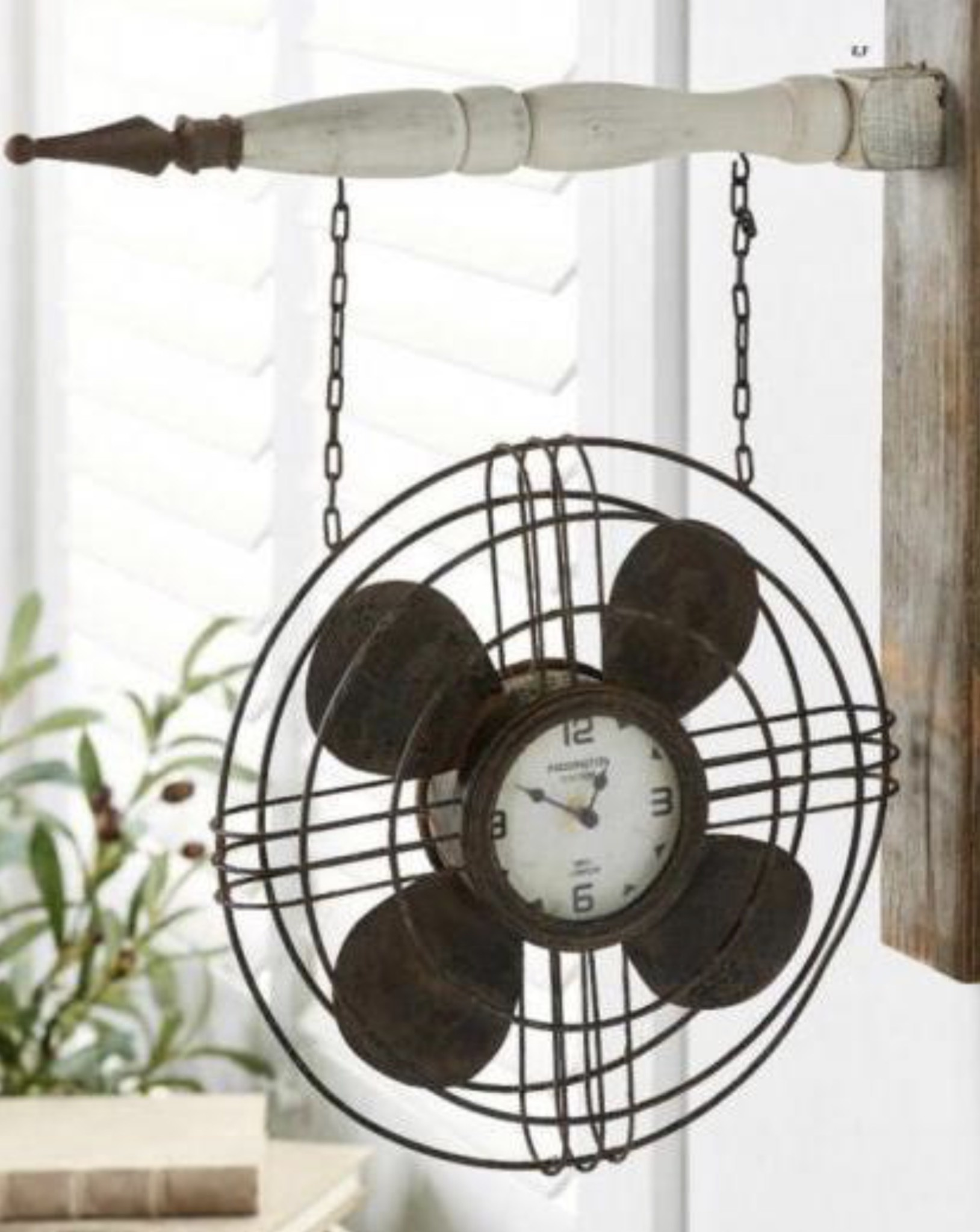 K & K Interiors Vintage Fan with Clock Arrow Replacement
