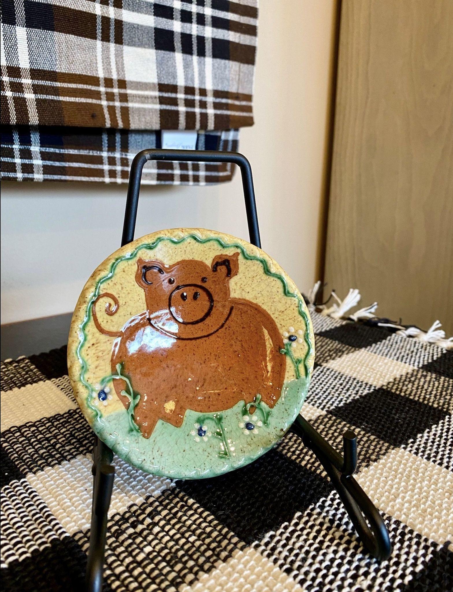Smith Redware Pig Round Plate