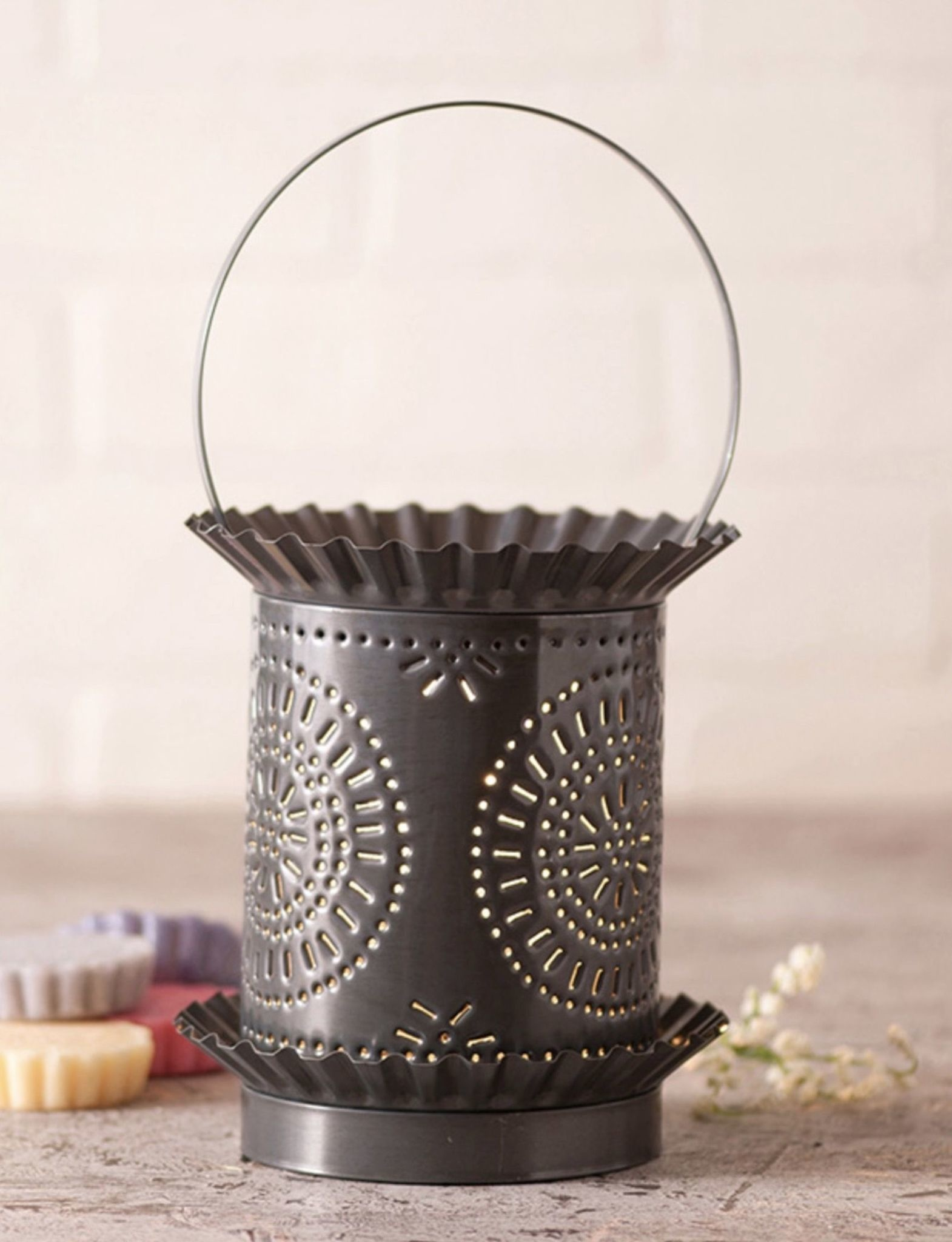 Irvin's Tinware Punched Tin Jumbo Wax Warmer With Chisel