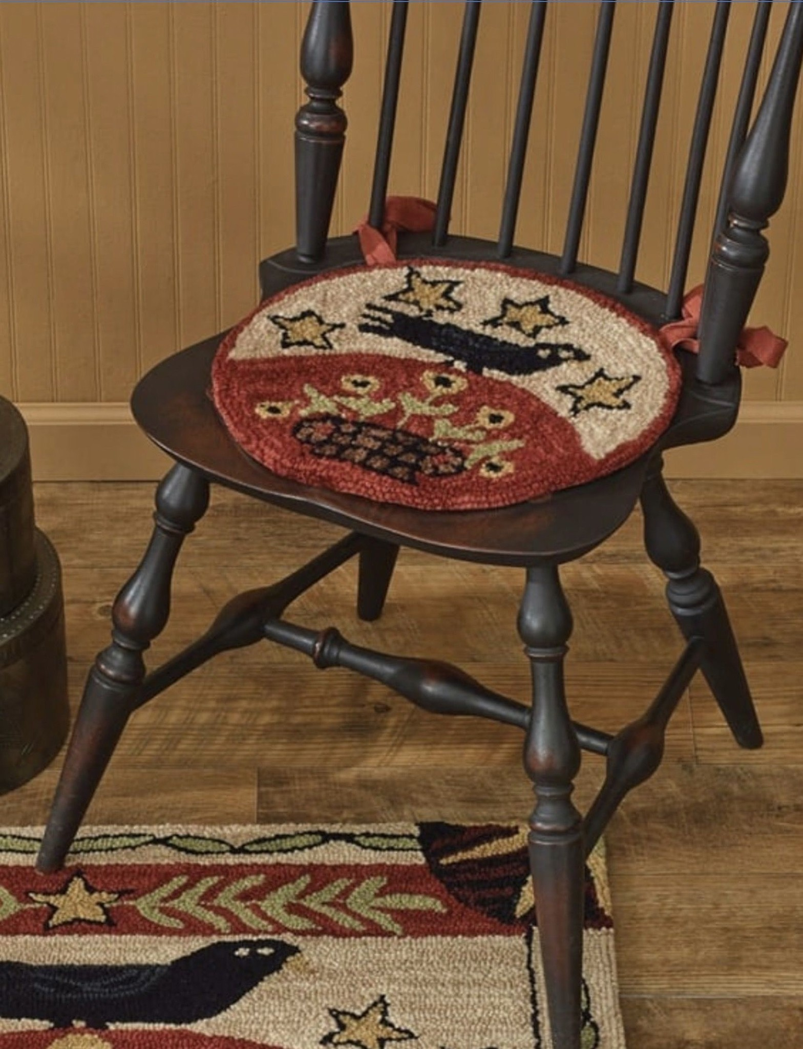 Park Designs Folk Crow Hooked Chair Pad