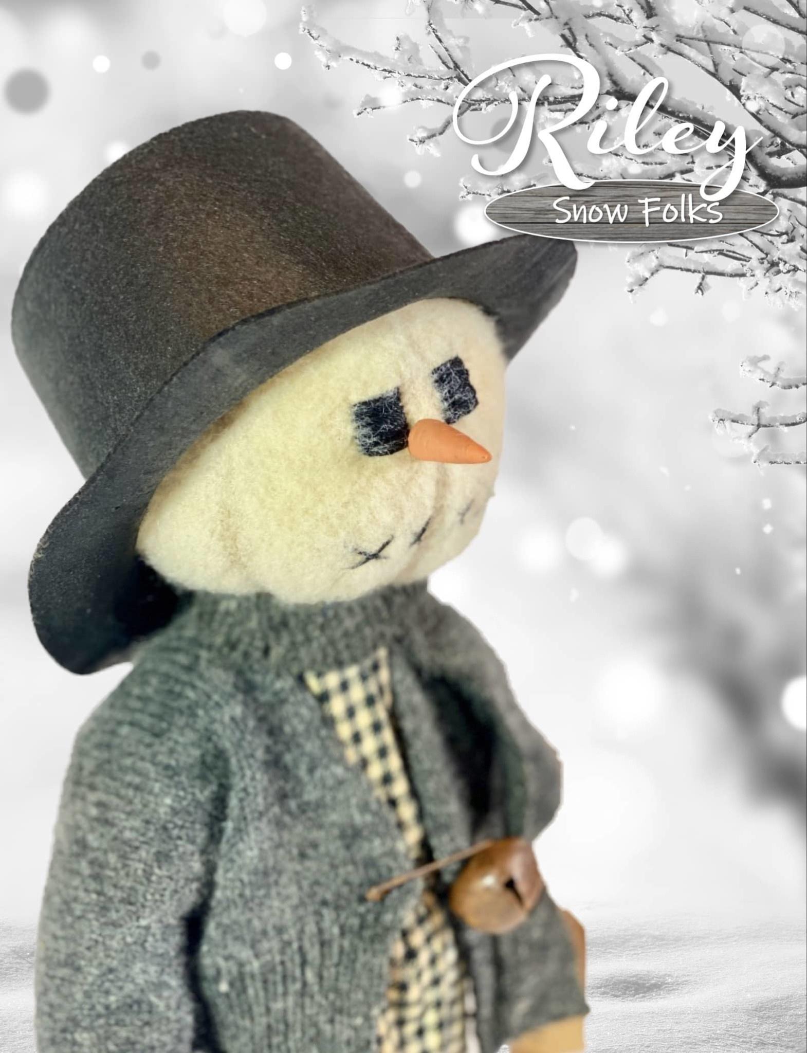 Nana's Farmhouse Riley Snow Girl Plaid Dress & Grey Sweater W/Black Hat