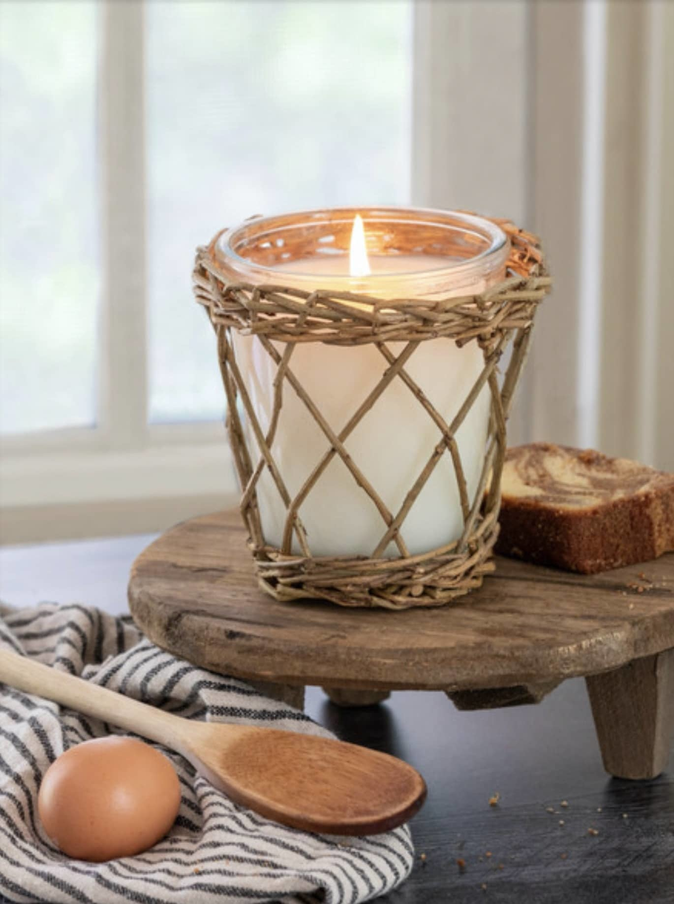 Park Hill Collection Gladys Kitchen Willow Candle - 16oz