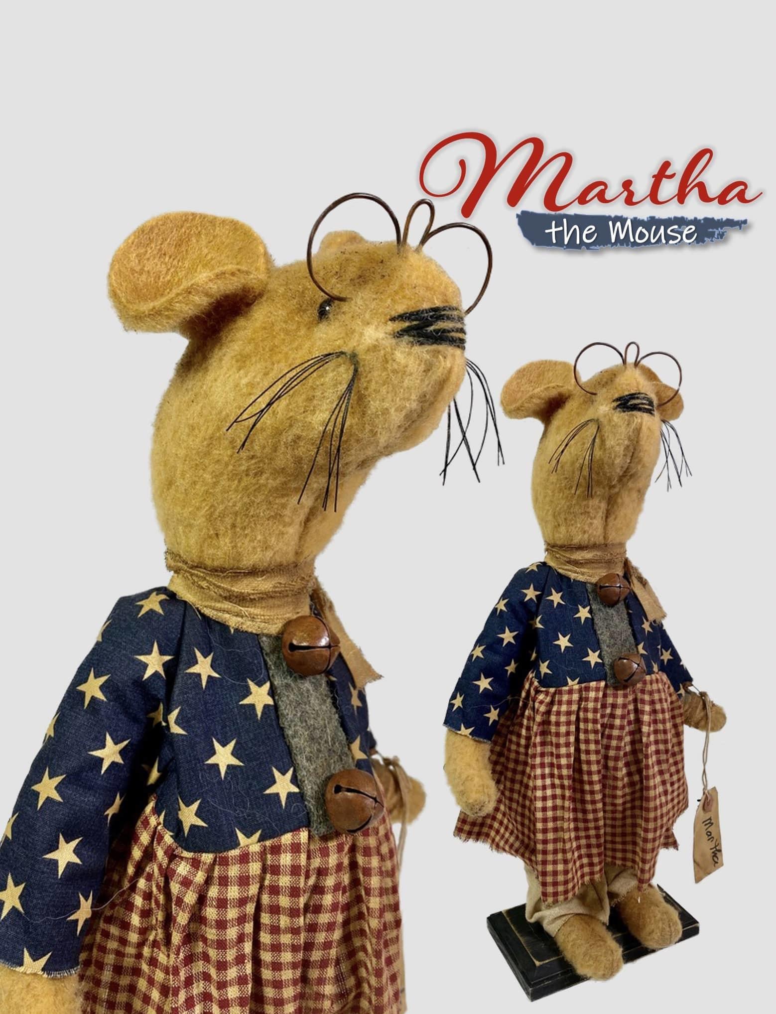 "Nana's Farmhouse Martha The Americana Mouse - 16"""