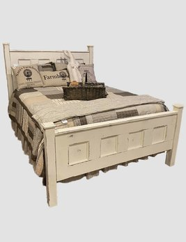 Nana's Farmhouse Farmhouse Antique  Bed - Queen