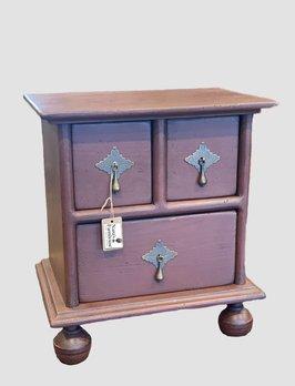 Nana's Farmhouse William & Mary Apothecary Box