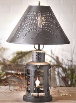 Irvin's Tinware Innkeeper's Lamp with Shade