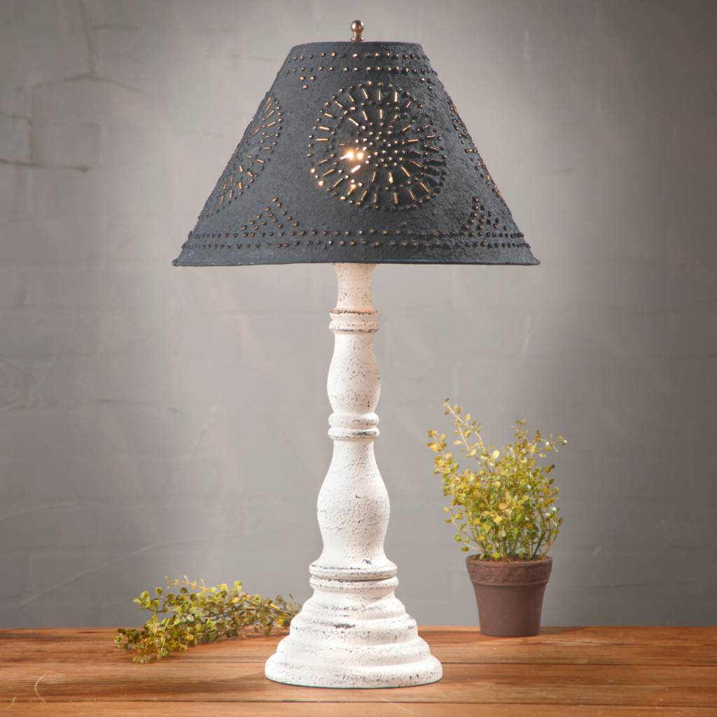 Irvin's Tinware Davenport Lamp with Textured Black Shade in Americana