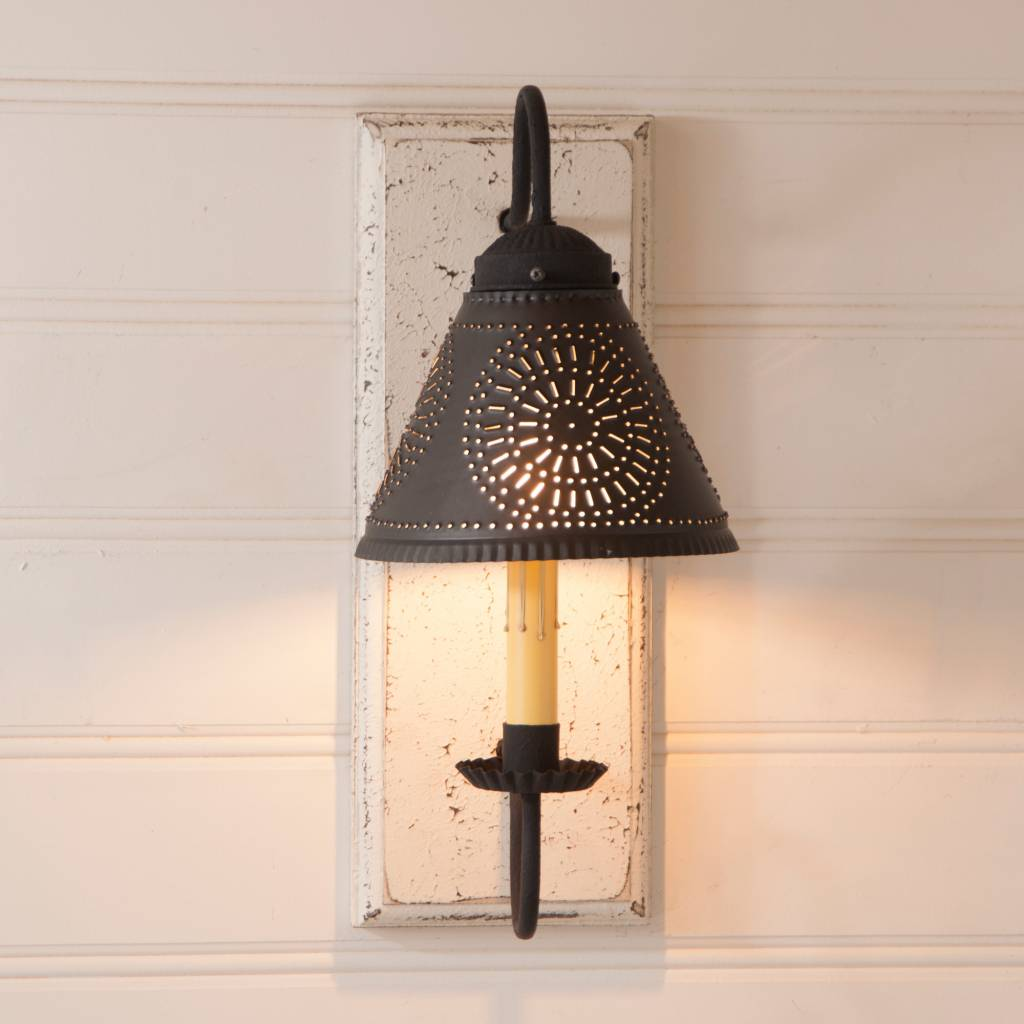 Irvin's Tinware Crestwood Sconce