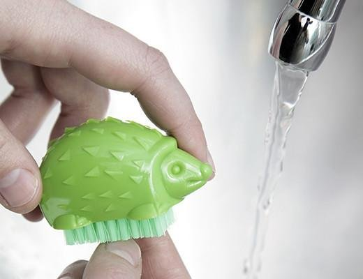 Kikkerland Designs Hedgehog Nail Brush