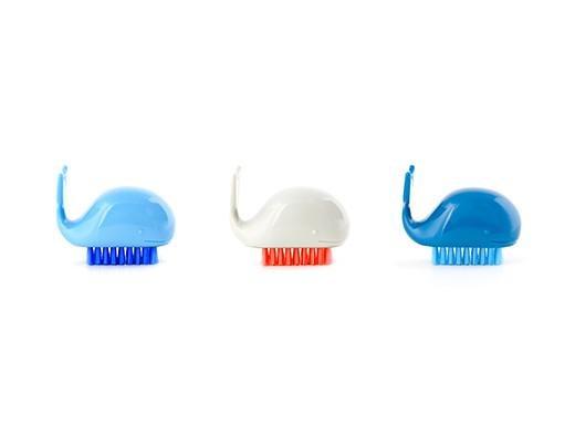 Kikkerland Designs Whale Nail Brush