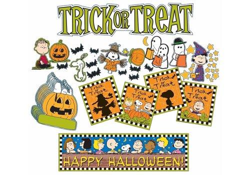 EUREKA Peanuts Hallowe'en  Mini Bulletin Board Set *