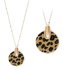 "What's Hot Serendipity Necklace, Cheetah Print Circle 34"""