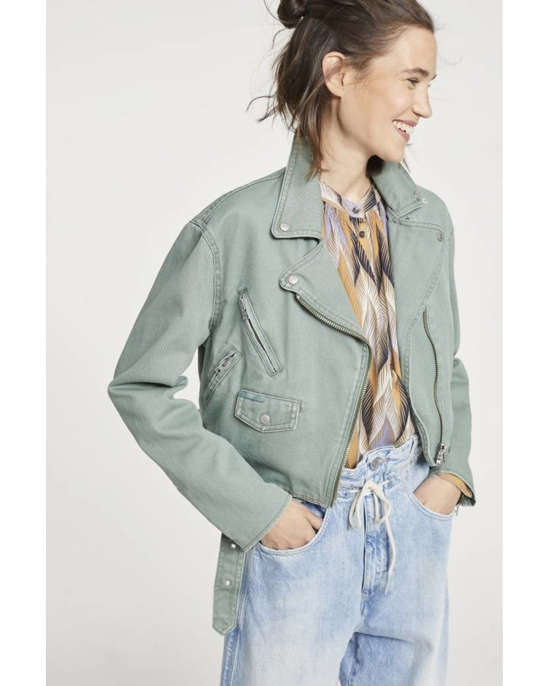 Closed Electric Jacket