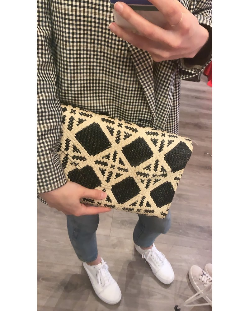 Banago Envelope Clutch