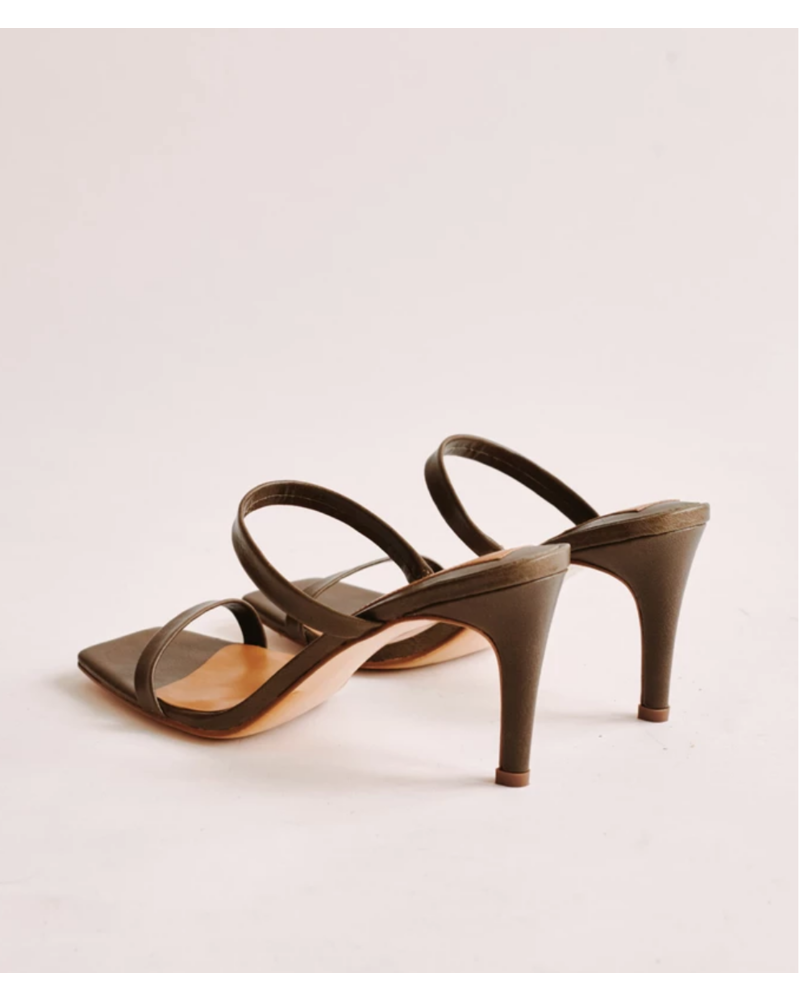 jaggar Jaggar Two Strap Leather Heel