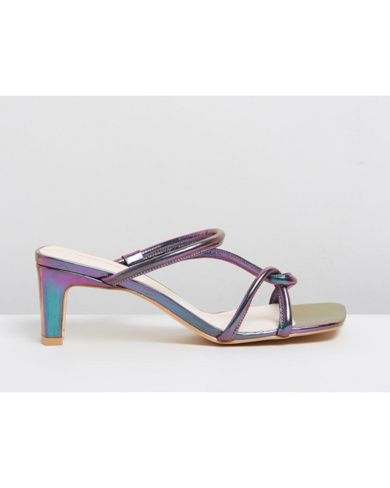 INTENTIONALLY BLANK Willow Sandal