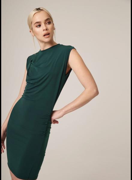 LANSTON Ruched Sleeveless Dress