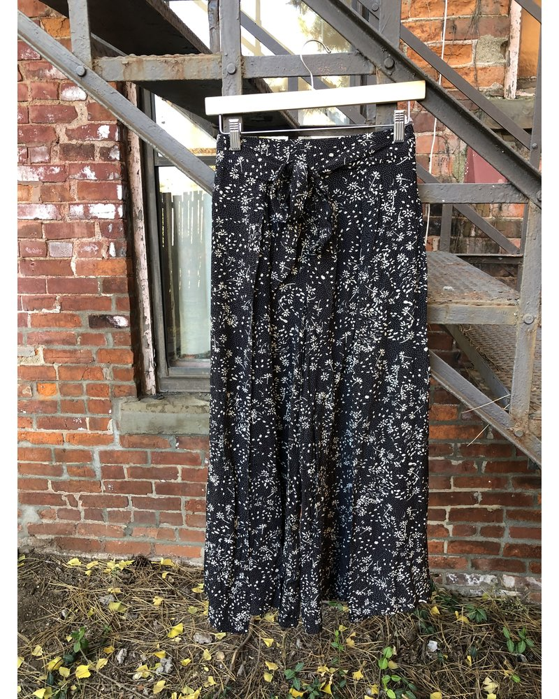 Little Lies Floral Wrap Pant