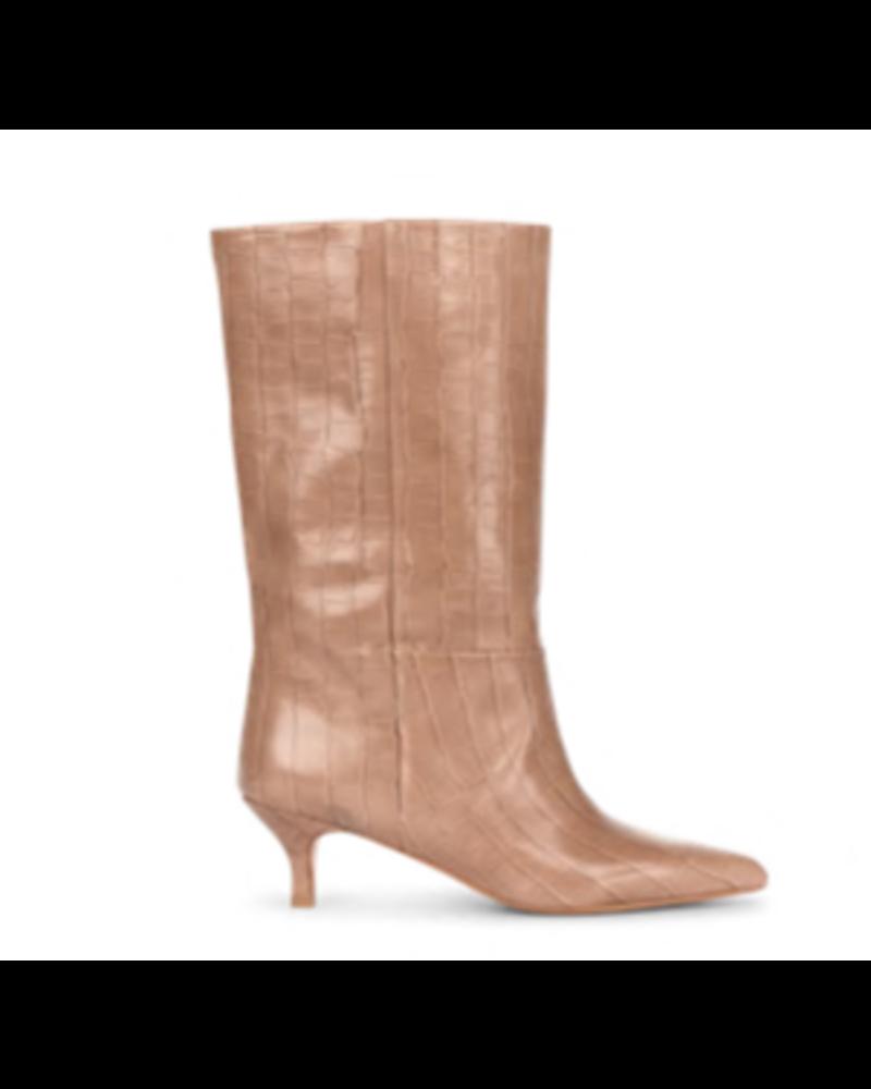 Ivylee Lopez Boot