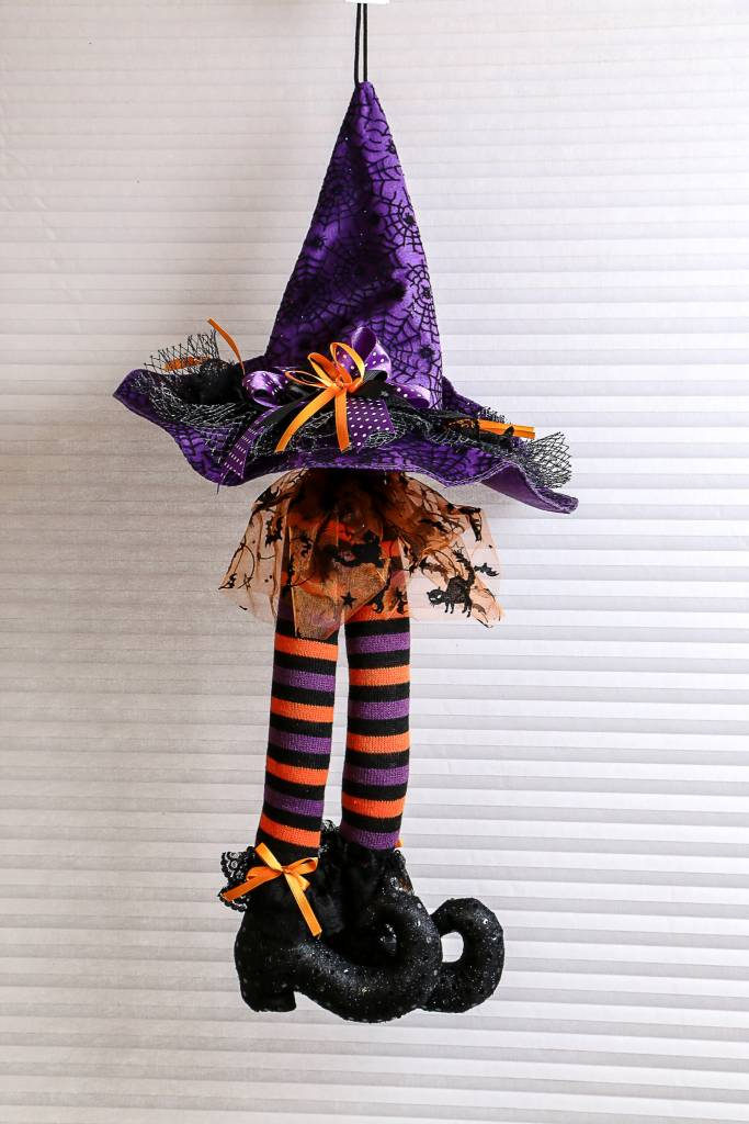 Hanging Witch Hat With Legs H3416027-23'