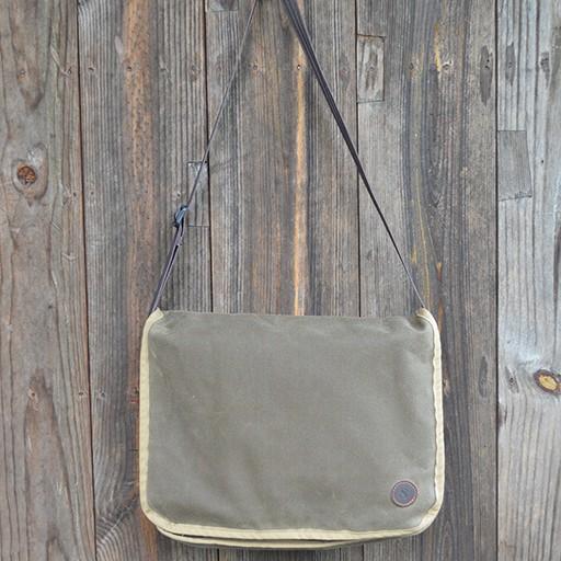Duke Messenger Bag in Dark Oak Waxed Canvas