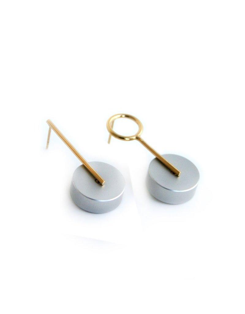 Industrial Jewellery HIL608  small pirced single circle E