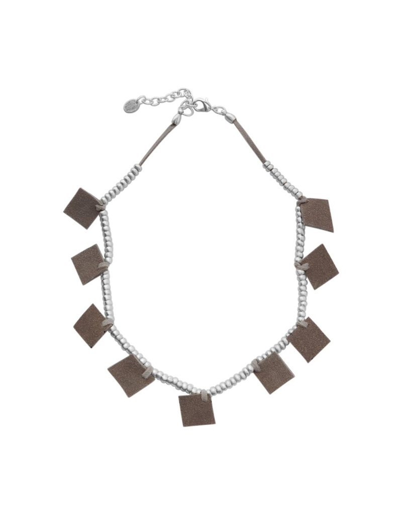 Carme Anglada Suede squares small bead N