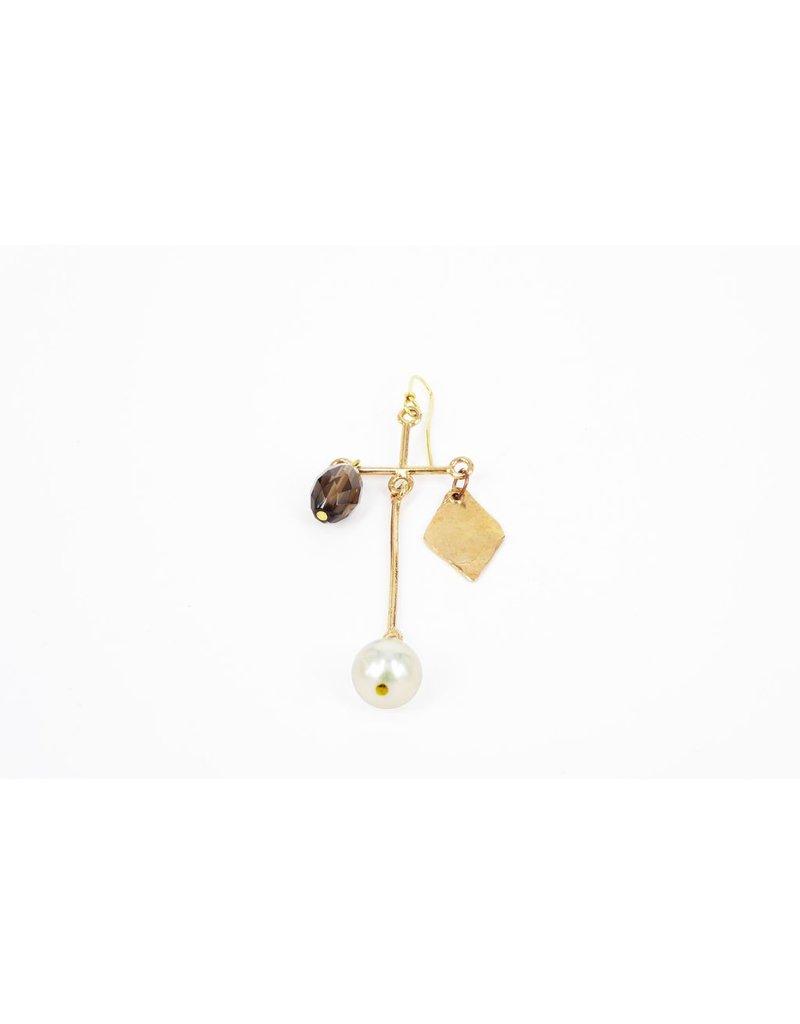 Iron by Miriam Nori Single cross pearl chrystal E