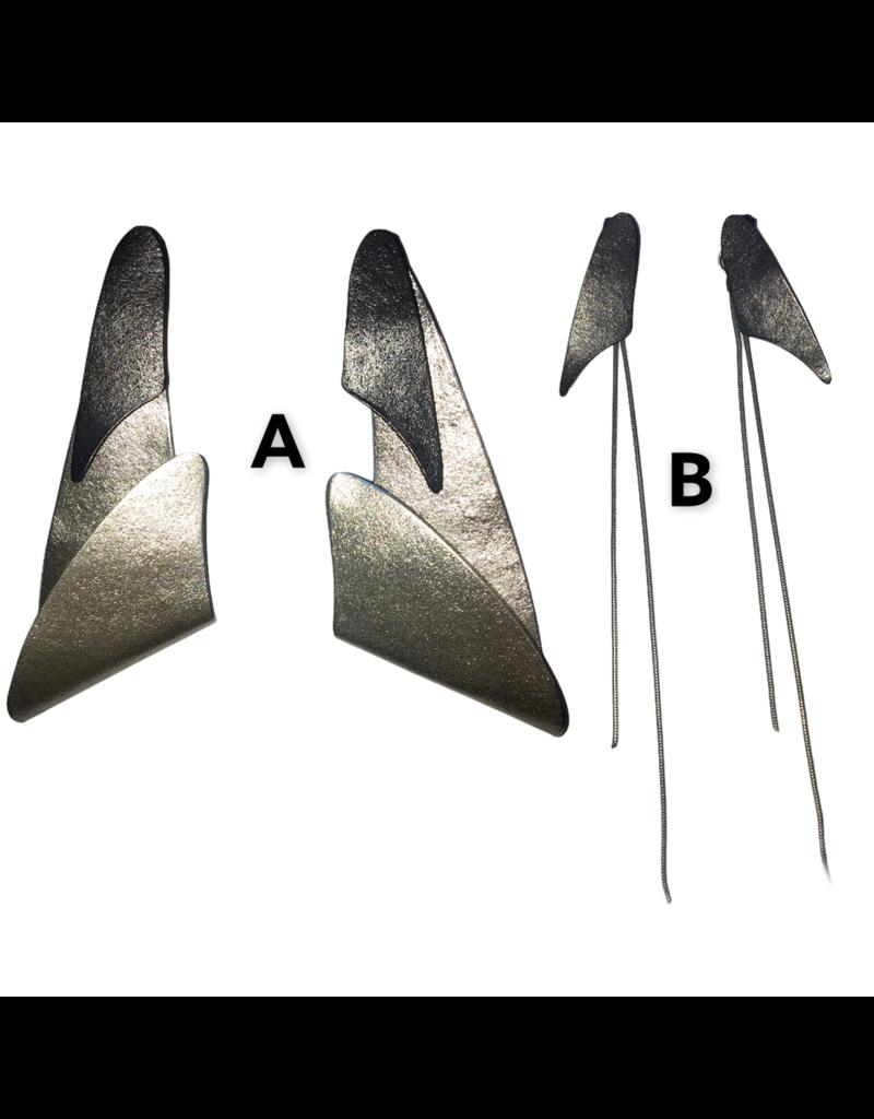Character Jewels FOLD XL triangle drop chain E