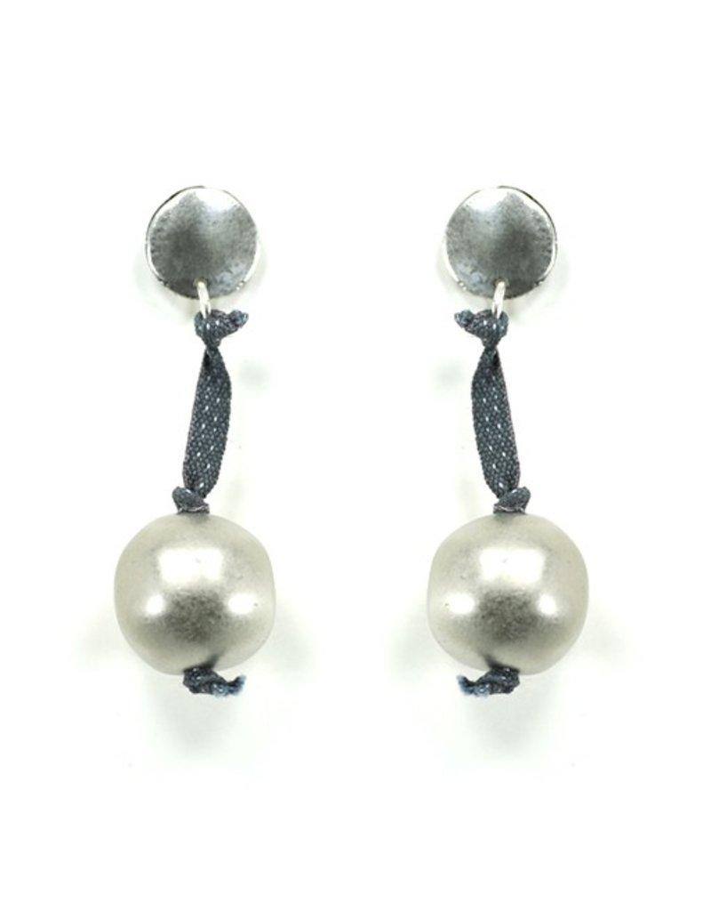 Carme Anglada Long drop silver ribbon E