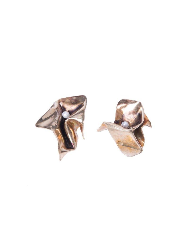 Iron by Miriam Nori BOX brass squashed pearl E