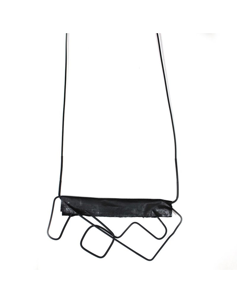 Marija Bajovska Horizontal eel geometric wire N