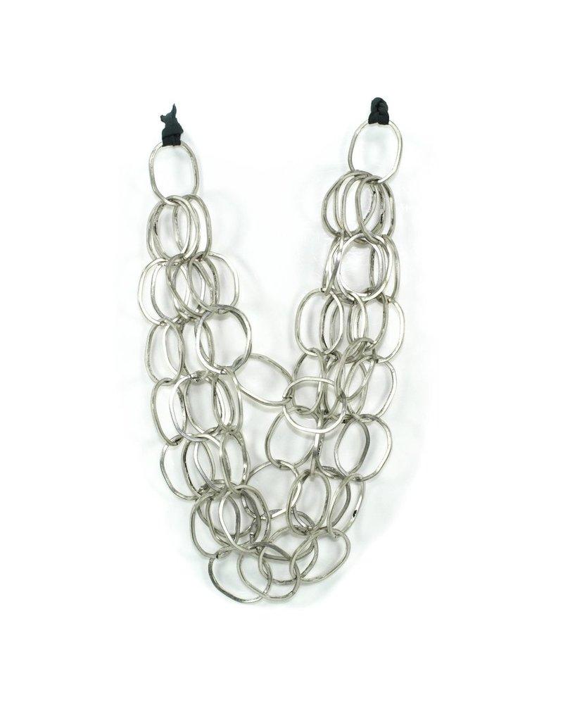 Carme Anglada Metal interlocked loop short N