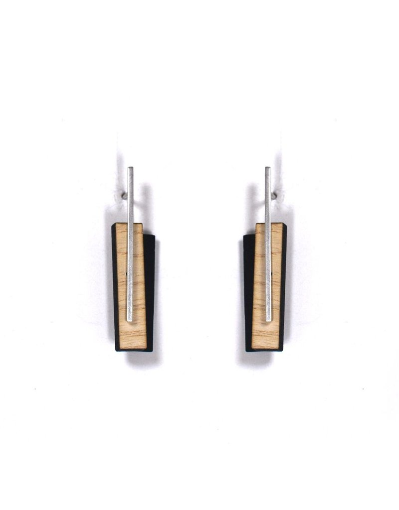 Aines Wood rectangle silver stud E