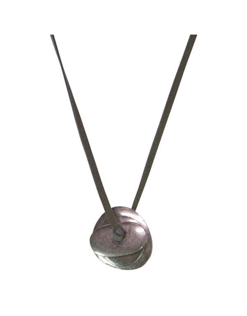 Carme Anglada Round drop pendant short N