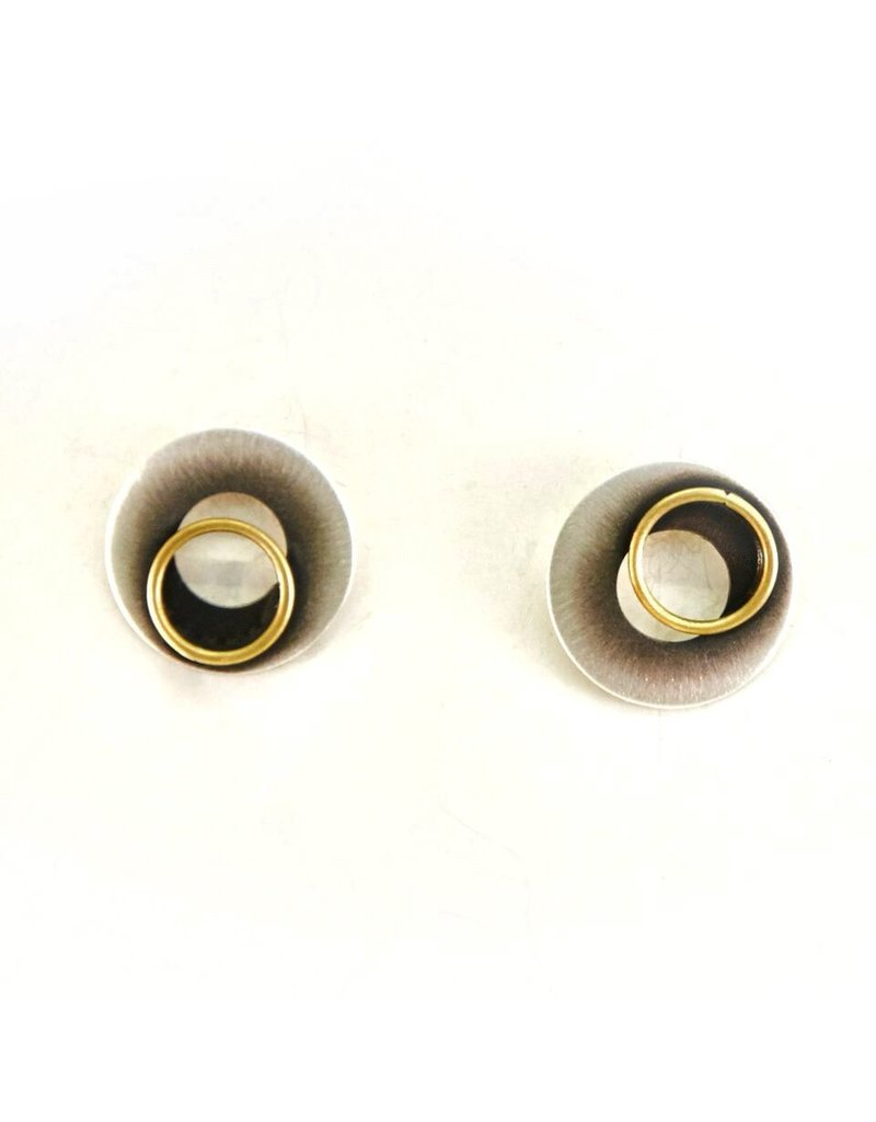 Aines Hollow disk gold ring stud E