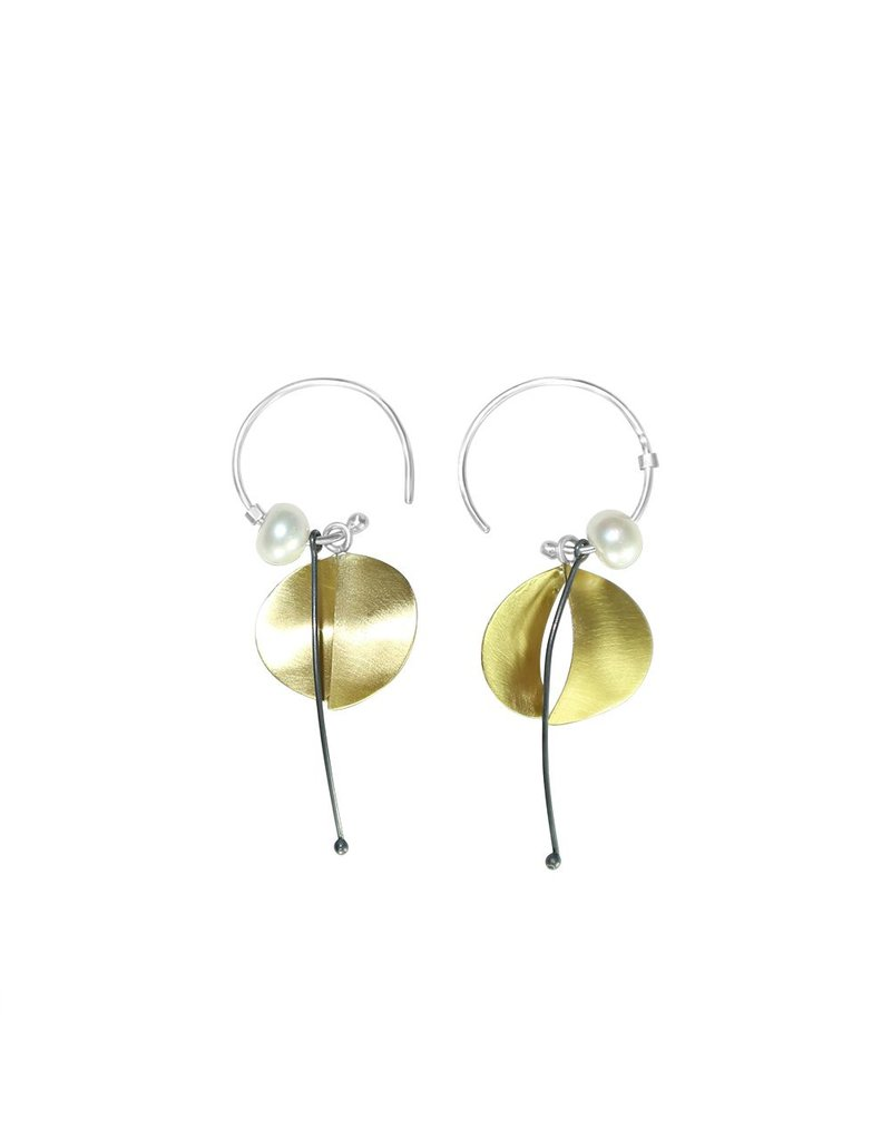 Aines Hollow brass oval pearl drop E