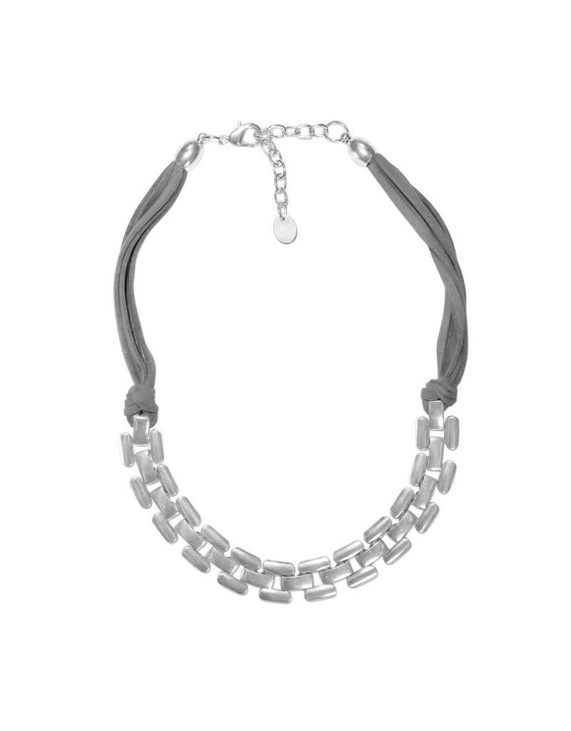Carme Anglada Chain short N