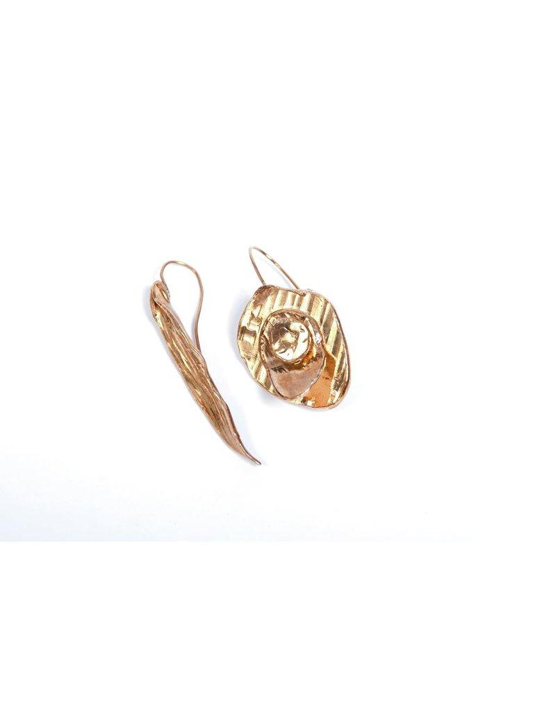 Iron by Miriam Nori Lief flower brass E