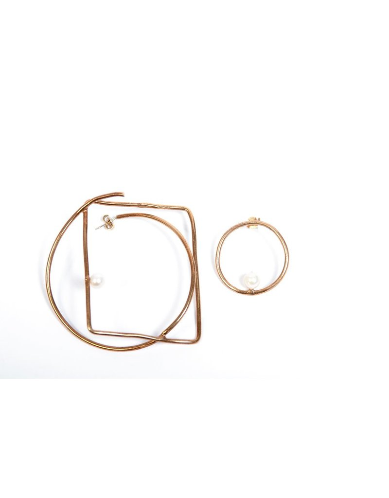 Iron by Miriam Nori ONDA irregular bronze pearl E