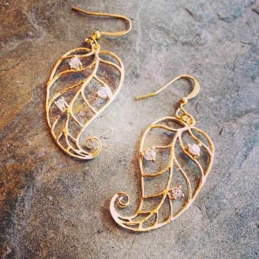 Earrings Jesa Curled Leaf Earrings