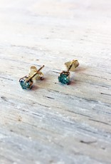 Earrings Cherrish Studs with Moissanite